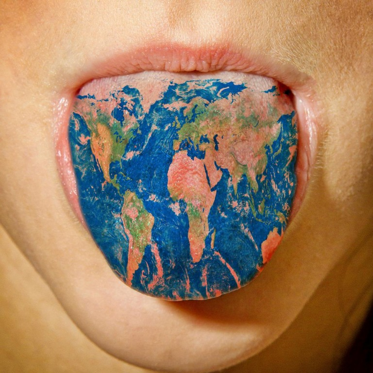 1200-98470805-world-map-tattoo-on-tongue